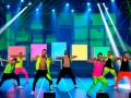 Танец парней в 20 выпуске шоу Танцы